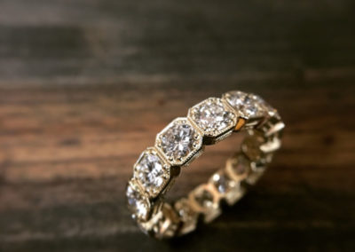 Mimis-Custom-Jewelry-Diamind-Stud-Ring